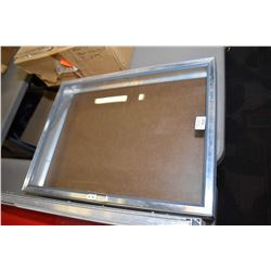 """Aluminium locking 18"""" X 24"""" portable table top display case, key not included"""
