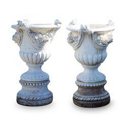 Composite Carrera Garden Urns