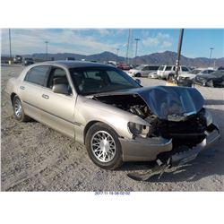 2002 - LINCOLN TOWN CAR