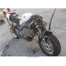 2001 - HONDA RVT1000R