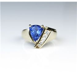 18CAI-28 TANZANITE  DIAMOND RING
