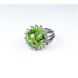 18CAI-45 PERIDOT  DIAMOND RING