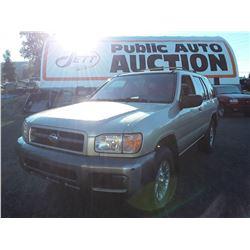 N4 --  1999 Nissan Pathfinder LE , Brown , 265136  KM's