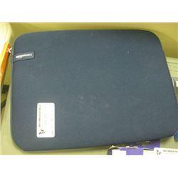 """Amazon Basics 15"""" Laptop Sleeve"""