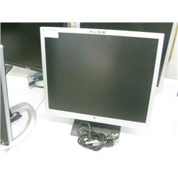 """Fuse 19""""LCD w/vga cable"""