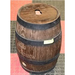 VINTAGE WOOD BARREL.