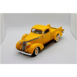 1937 Studebaker Coupe Express Pickup 1:18 scale Has Box