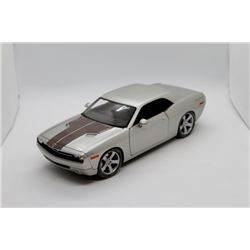2006 Dodge Challenger Concept 1:18 scale Has Box