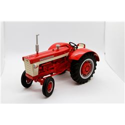 International Harvester 660 1999 National Farm Toy Show Collectors Edition