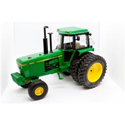 John Deere 4840 Precision Elite #3 1:16 Has Box **Working Lights**