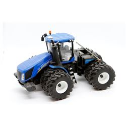 New Holland T.670 Presitge Collection 1:32 Has Box