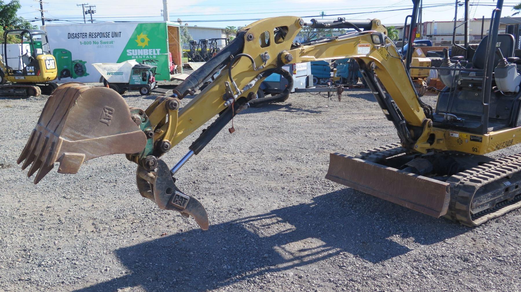 2013 Cat 302 4d Mini Excavator 6k  1449 Hours
