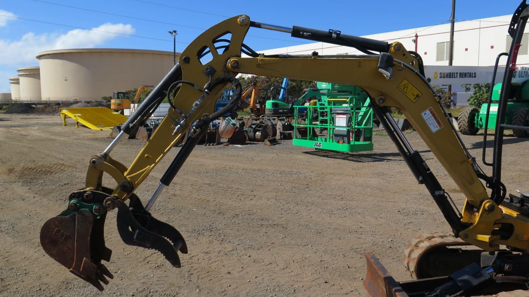 2013 Cat 302 4d Mini Excavator 6k  1098 Hours