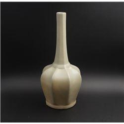 """A """"Yue Zhou"""" Kiln Celedon Glaze Octagonal Vase with a Slender Neck."""