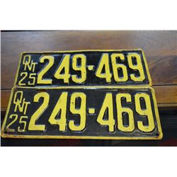 Set - 1925 Ont. License Plates