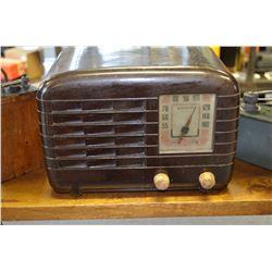 Vintage GE Radio