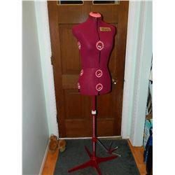 ARDIS DRESSMAKING MODEL - DIANA - LOOKS NEW INCLUDES ORIGINAL BOX & MANUAL - RETAIL ESTIMATE $300 -