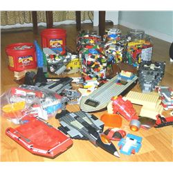 *** LEGO - LEGO - LEGO - LARGE AMOUNT OF LEGO COLLECTION - INCLUDES DESIGNS & INSTRUCTIONS TO BUILD