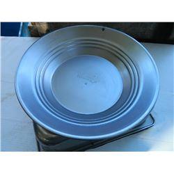 "NEW GOLD PAN - ESTWING - METAL - 12"""