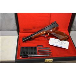 Restricted - Browning Model Medalist .22 LR Cal 10 Shot Semi Auto Pistol w/ 172 mm bbl [ appears v -
