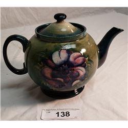 Moorcroft Teapot, The Queen