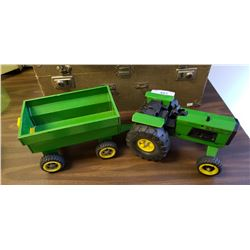 Toy J.D. Tractor w/Trailor