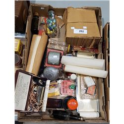 BOX LOT OF VINTAGE COLLECTABLES