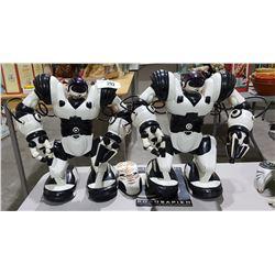 2 WOWWEE ROBOSAPIEN ROBOTS W/ 1 CONTROLLER AND MANUAL