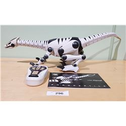 WOWWEE ROBOREPTILE ROBOT WITH CONTROLLER AND MANUAL