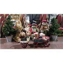 7 CHRISTMAS FIGURES