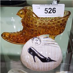 VINTAGE ART GLASS SHOE W/CAT AND PAPER WEIGHT