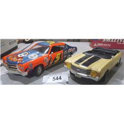 2 DIE CAST CARS