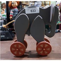 VINTAE WOOD ELEPHANT TOY