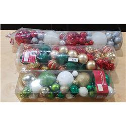 LOT OF CHRISTMAS BALLS