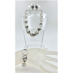 VINTAGE JEWELRY SET WITH SILVER TONE CLIPBACK EARRINGS, BRACELET AND NECKLACE