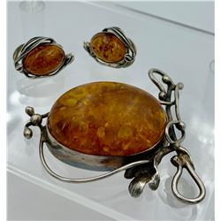 BALTIC AMBER AND STERLING SILVER CLIP-BACK EARRINGS AND LARGE PENDANT