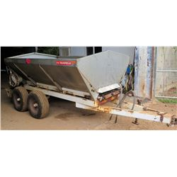 SNA Transpread Fertilizer Spreader, Includes Extra Chain