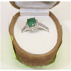 STERLING SILVER EMERALD CUBIC ZIRCONIA RING SIZE 8