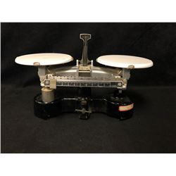 ANTIQUE CENTRAL SCIENTIFIC WEIGH SCALE ( PERFECT WORKING ORDER)