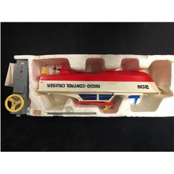 VINTAGE WORKING REMOTE CONTROL SPEED BOAT