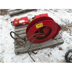 Retractable cutting torch hose reel w/torch head
