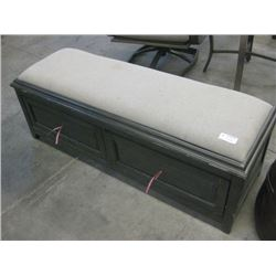 USED HOME MERIDIAN - PADDED WOODEN BENCH WITH 2 DRAWERS