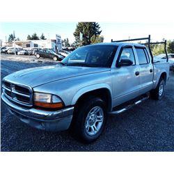 G6 --  2003 Dodge Dakota SLT , Silver , 260193  KM's