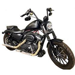 2012 Harley Davidson XL883 Iron Horse sportster