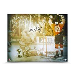 """Wayne Gretzky Signed """"'87 Canada Cup Celebration"""" 16x20 Photo (UDA COA)"""