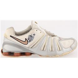 Vince Young Signed Nike Shoe (Beckett Hologram)