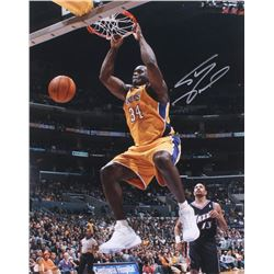 Shaquille O'Neal Signed Lakers 16x20 Photo (Beckett COA)