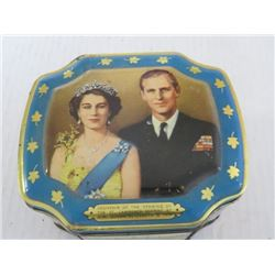 Vintage tin - Queen Elizabeth, Prince Phillip, souvenir of St. Lawrence Seaway Opening, 1959
