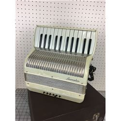 SERENADER ACCORDION *MADE IN ITALY*