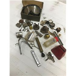 LOT OF COLLECTIBLE LAMP PARTS, GOGGLES, BELL, PICOTS, ETC.